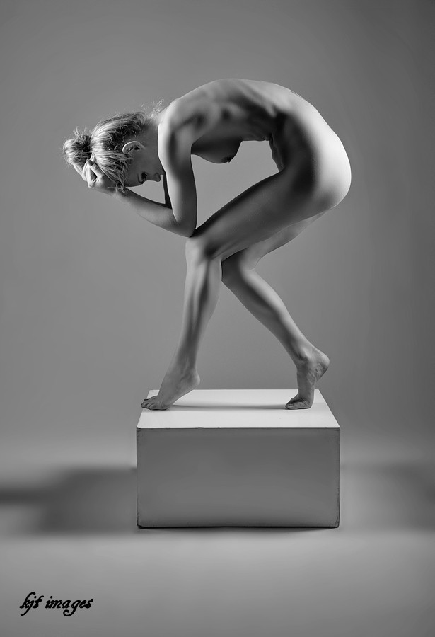 %22Lean%22 Artistic Nude Photo by Photographer kjt images