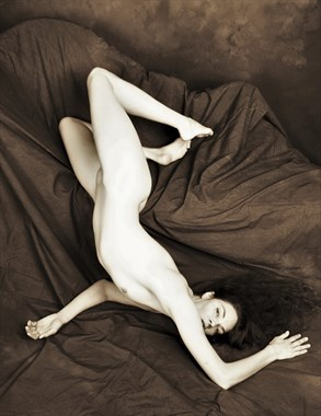 %22Perspective%22 Artistic Nude Photo by Model Lisa Everhart