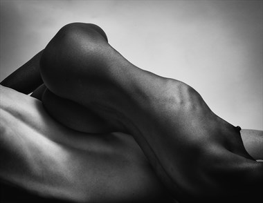 %2376 Artistic Nude Photo by Photographer Gregory Garecki