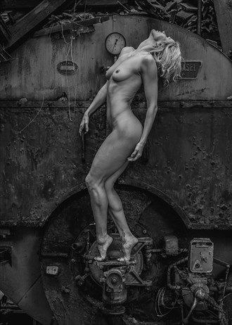 'Unity is Strength' Artistic Nude Photo by Photographer RomanyWG
