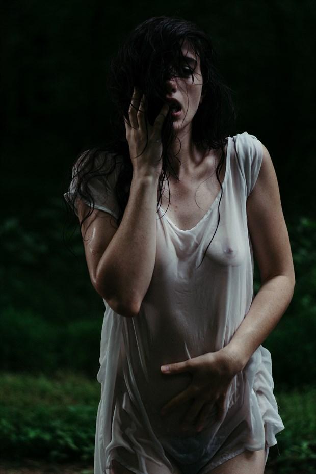 (C) Glimmermerephoto Artistic Nude Photo by Model Sirena E. Wren