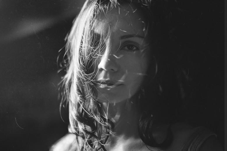 *Feeling Portrait Photo by Photographer Oksana Danilevskaya