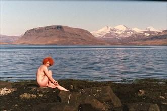mermaid ponder Artistic Nude Photo by Model Rakel Osk