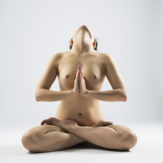 0+ Artistic Nude Photo by Photographer Trinh Xuan Hai