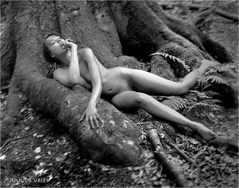100 year old tree artistic nude photo by model sabamodel