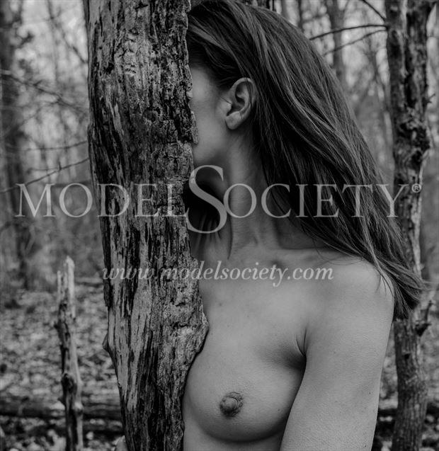 2017 nc 19 artistic nude photo by photographer eric delaforce