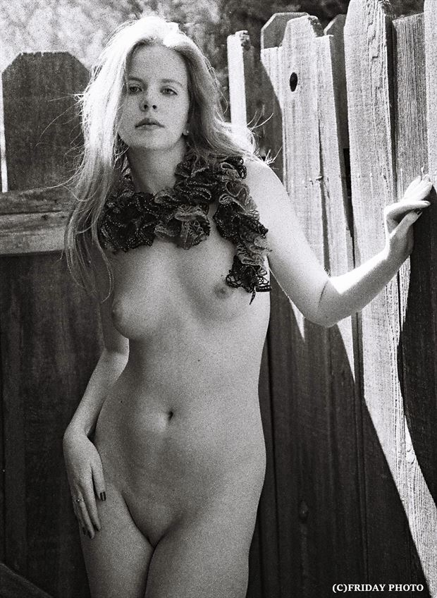 3200 iso t max artistic nude photo by photographer rob friday