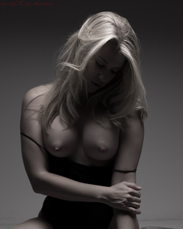 A Little Glow Artistic Nude Photo by Photographer Miller Box Photo