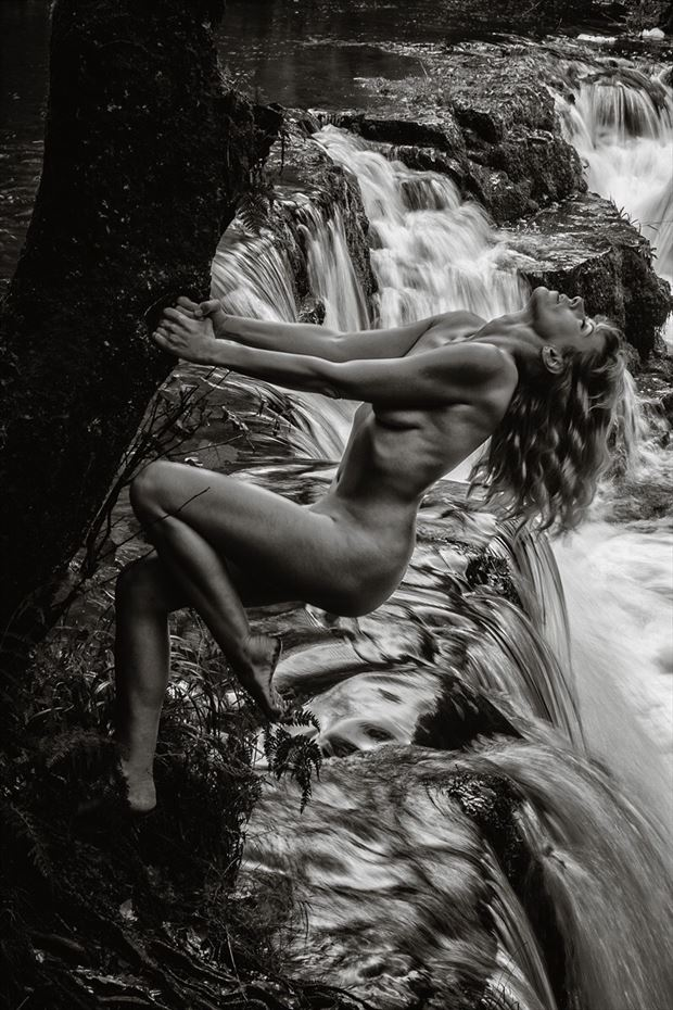 A force of nature Artistic Nude Photo by Model Selkie