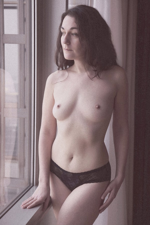 A little reflection Artistic Nude Photo by Model Rose Valentina