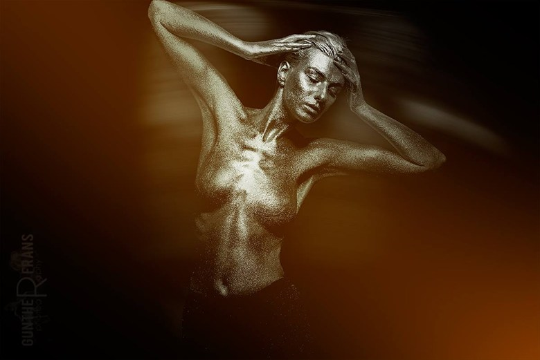 Abstract Body Painting Photo by Model SaraScarlet
