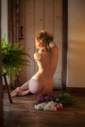 Afternoon Sun%E2%81%A3 Artistic Nude Photo by Model Muse