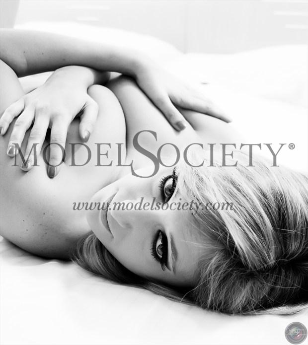 Alexis 01 Artistic Nude Photo by Photographer MFPhotographer60