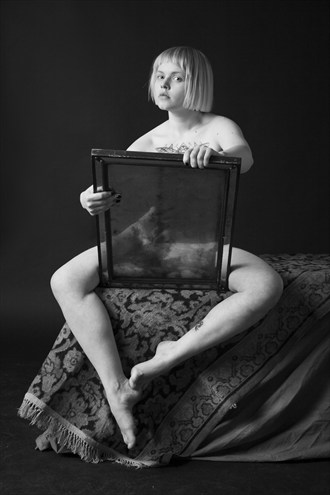 Alice in through the looking glass Artistic Nude Photo by Photographer zanzib
