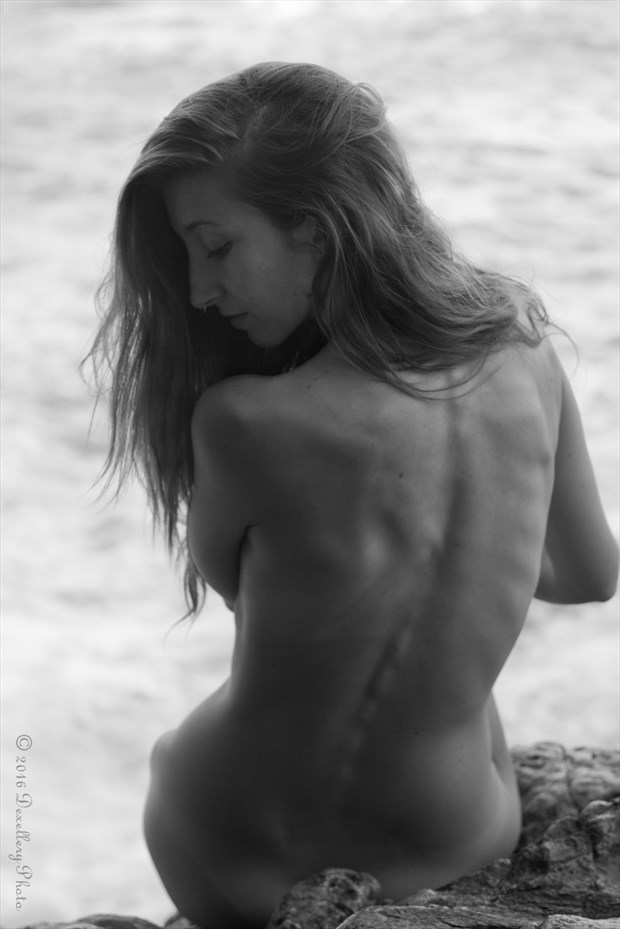 Alone Artistic Nude Photo by Photographer Dexellery Photo