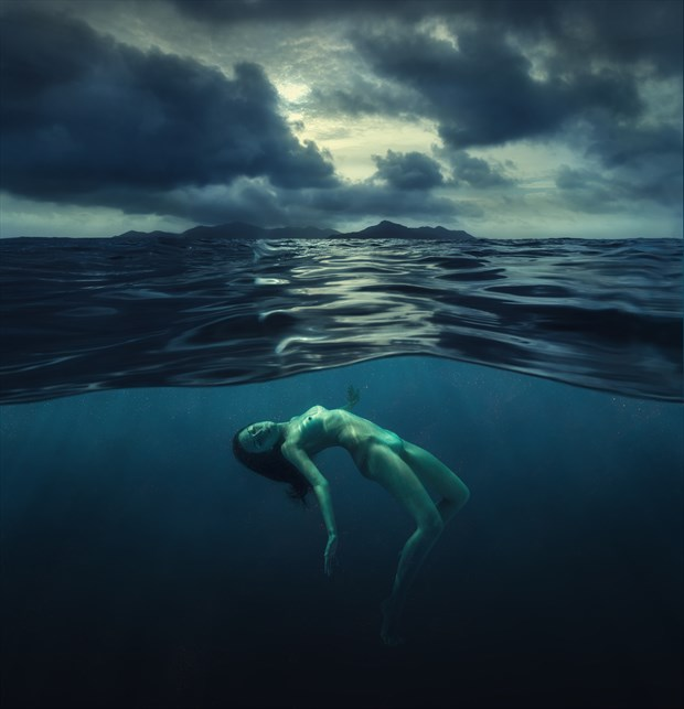 Alone with the sea Artistic Nude Photo by Photographer dml
