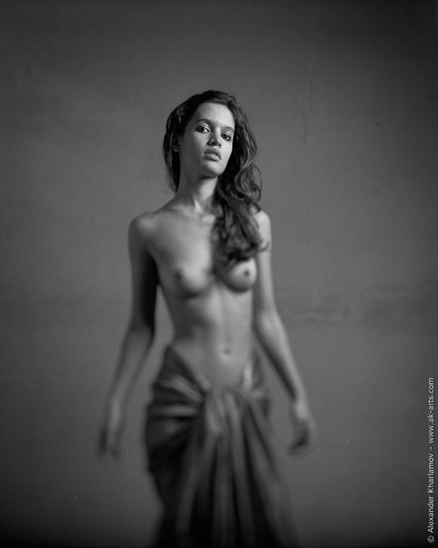 Altivez Artistic Nude Photo by Photographer Alexander Kharlamov