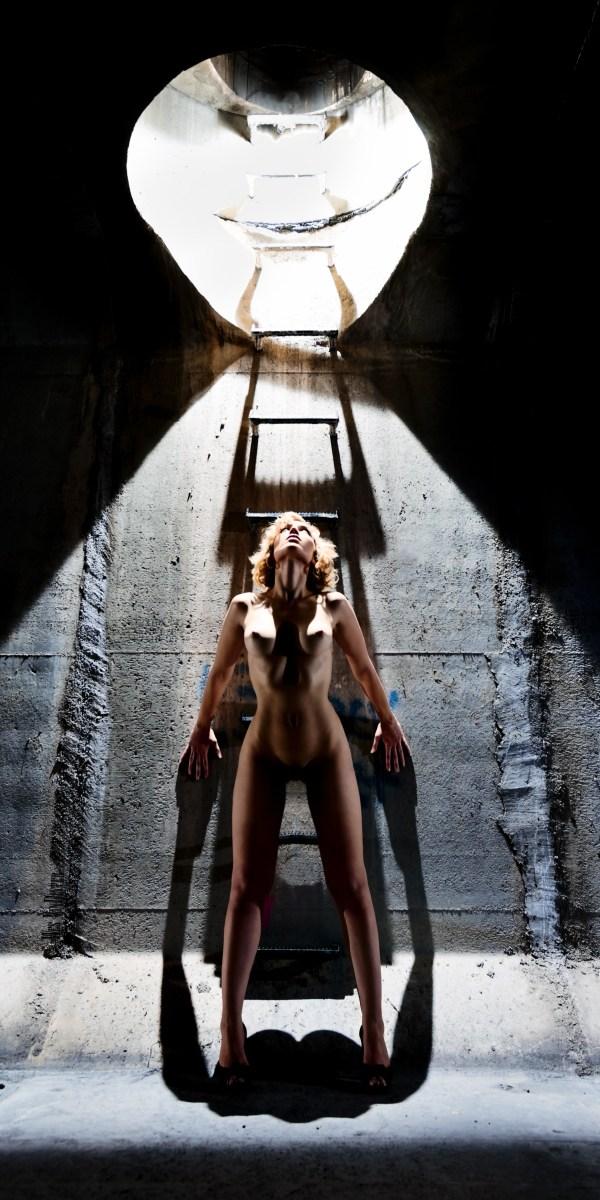 Alyssa Underground Artistic Nude Photo by Photographer wesfoto