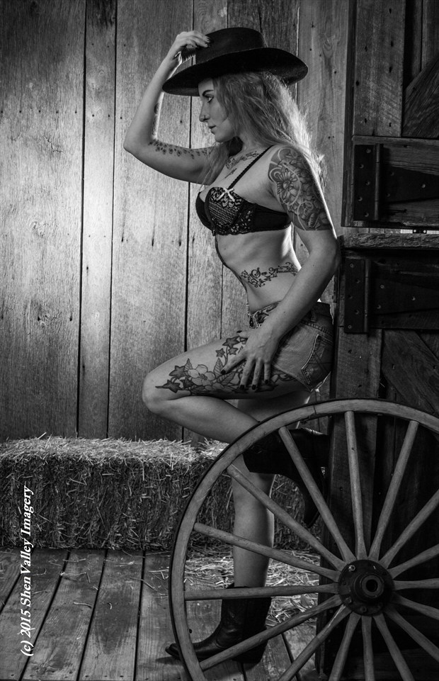 Amanda Lee Tattoos Photo by Photographer ShenValley Imagery