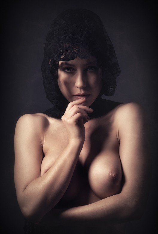 Amelie Artistic Nude Photo by Photographer ManCave