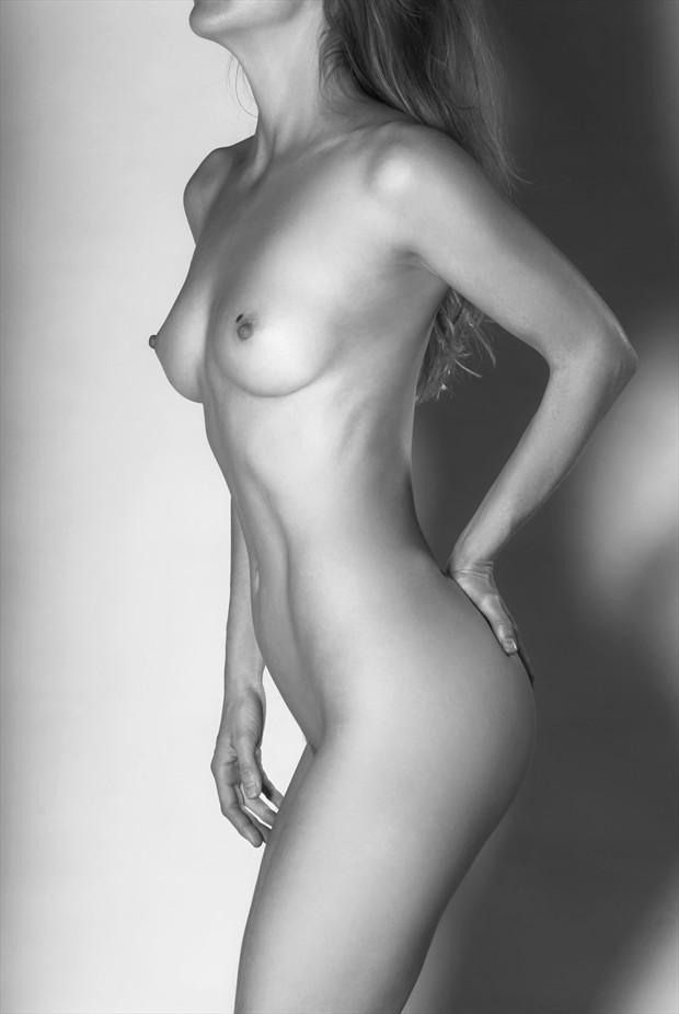 An Australian bodyscape Artistic Nude Photo by Photographer Roger Mann