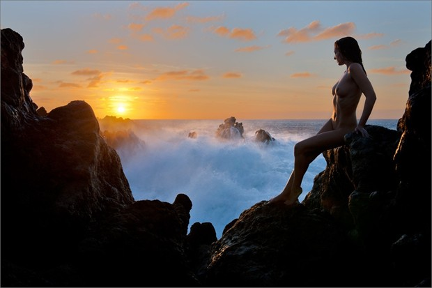 An Ocean Between Us Artistic Nude Photo by Photographer Martin Zurm%C3%BChle