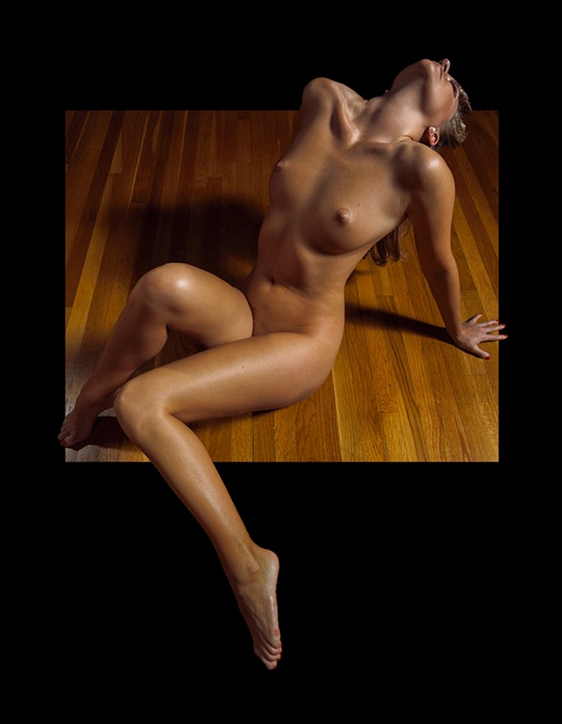 An Old School Bombshell Artistic Nude Photo by Photographer Raymond Elstad