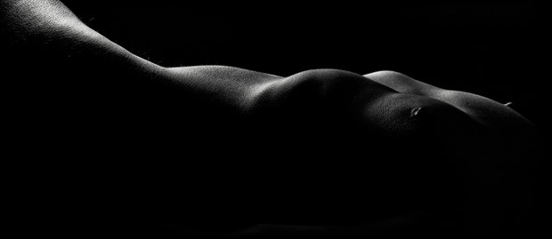 Angle of Repose Artistic Nude Photo by Photographer Excelsior