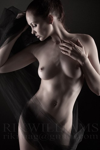 Anne Artistic Nude Photo by Photographer Rik Williams