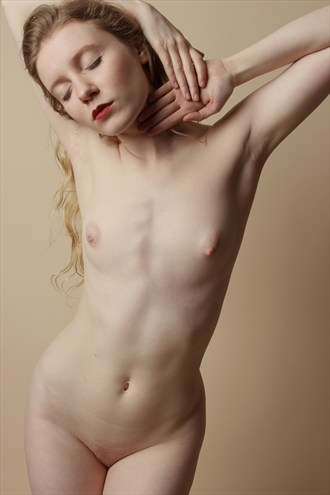 Anne Boleyn Artistic Nude Photo by Photographer Zoom Out