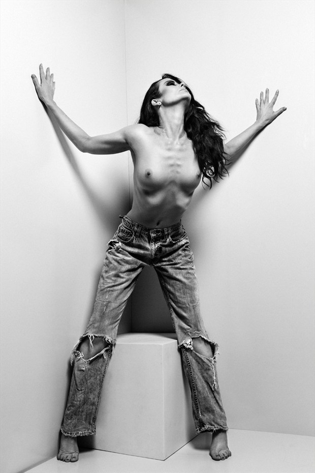 Anne Duffy !!! Artistic Nude Photo by Photographer Robertxc