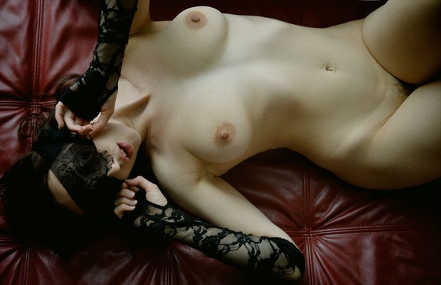 Anoush on the Red Sofa Artistic Nude Photo by Photographer Robert Weissner Photography
