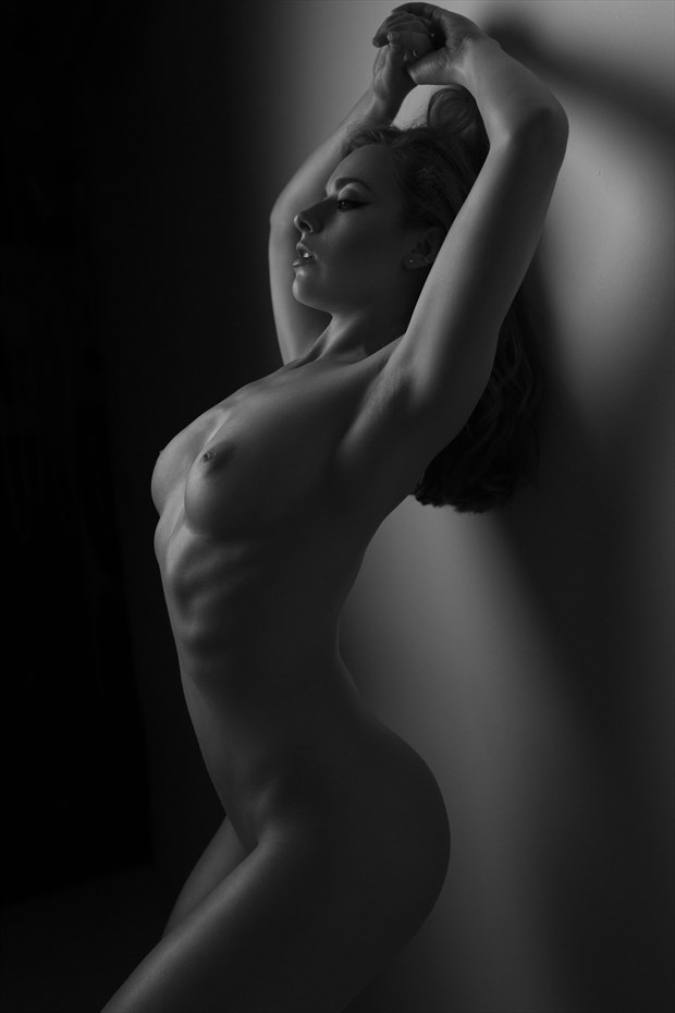 Arch Artistic Nude Photo by Photographer Andrew Rowe