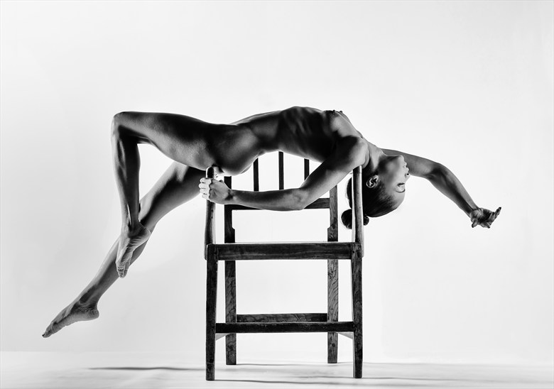 Arms' Length Artistic Nude Photo by Photographer Richard Maxim