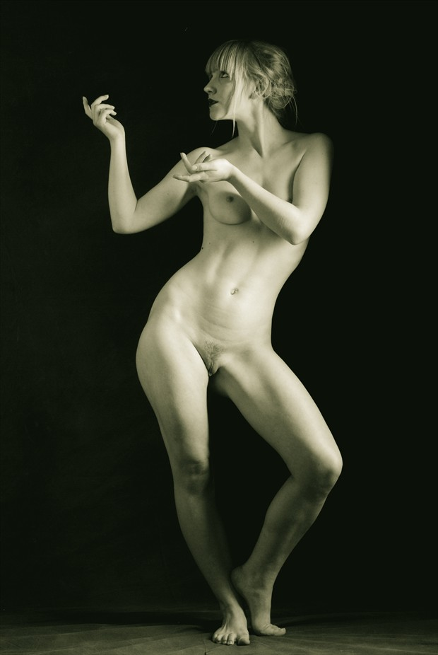 Artist and Artist Model Artistic Nude Photo by Photographer Mark Bigelow