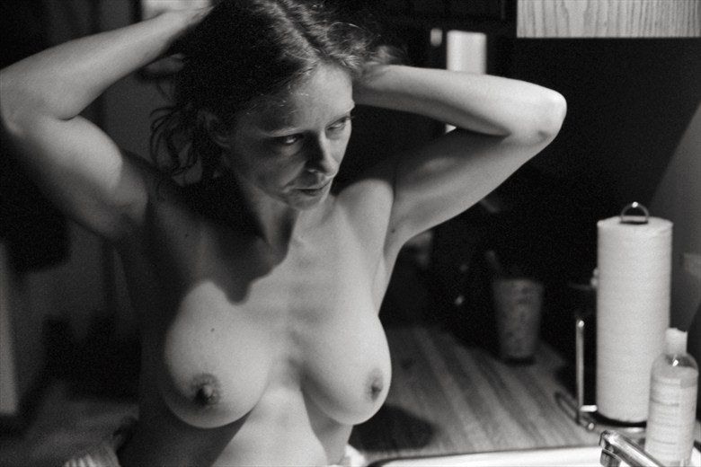 Artistic Nude Candid Photo by Photographer Peaquad Imagery