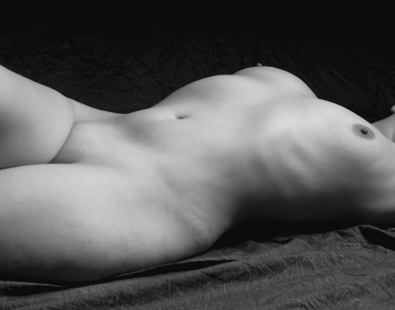 Artistic Nude Chiaroscuro Photo by Model Dolce Ambra