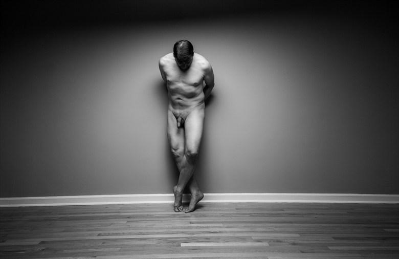 Artistic Nude Chiaroscuro Photo by Model Rhynelmrk