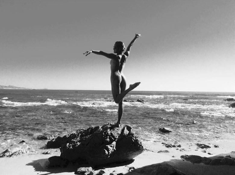 Artistic Nude Chiaroscuro Photo by Model Zazyl