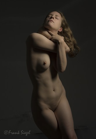 Artistic Nude Chiaroscuro Photo by Model marzipanned