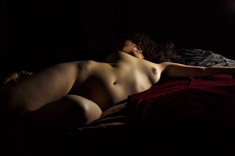 Artistic Nude Chiaroscuro Photo by Photographer Adero