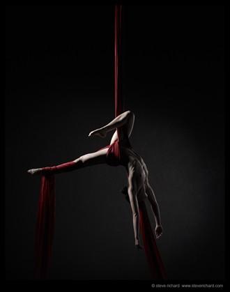 Artistic Nude Chiaroscuro Photo by Photographer Steve Richard