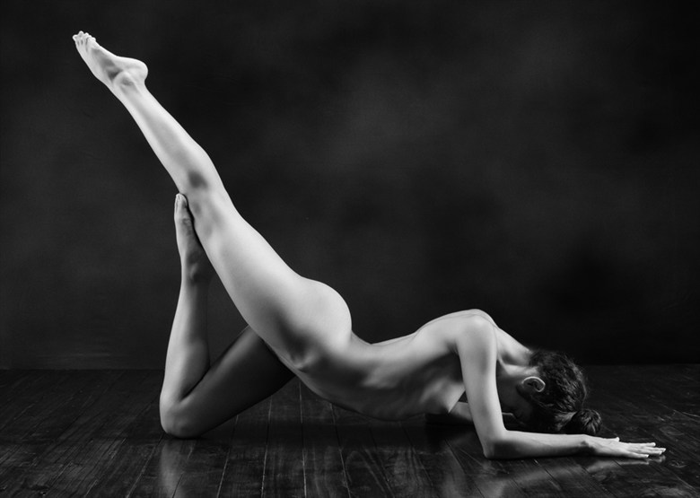 Artistic Nude Chiaroscuro Photo by Photographer Zabrodski