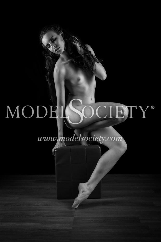 Artistic Nude Chiaroscuro Photo by Photographer darksideofthelens
