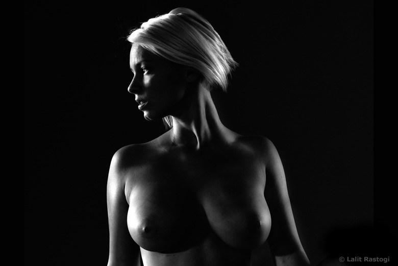 Artistic Nude Chiaroscuro Photo by Photographer lalphoto