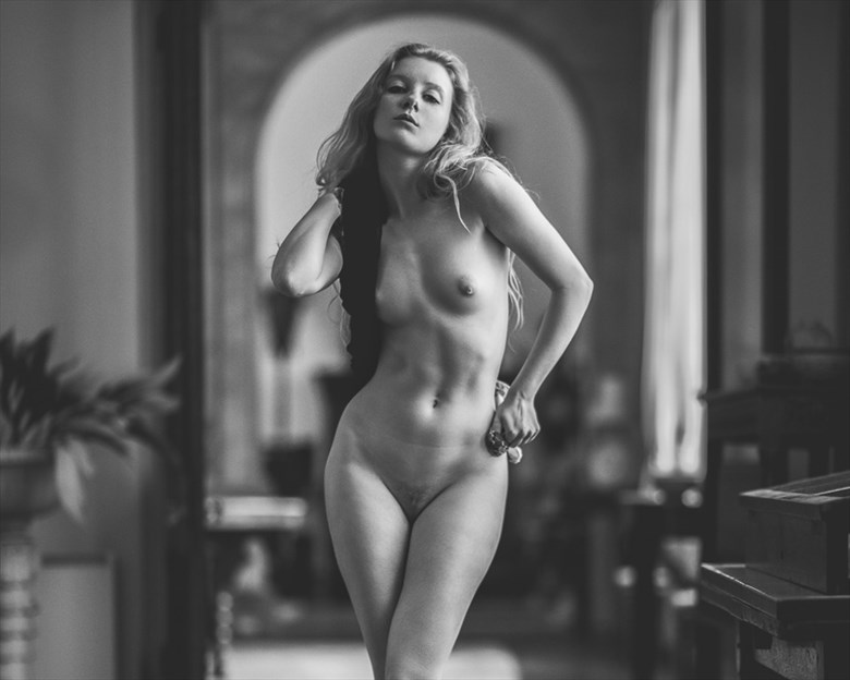 Artistic Nude Emotional Photo by Model Lulu Lockhart