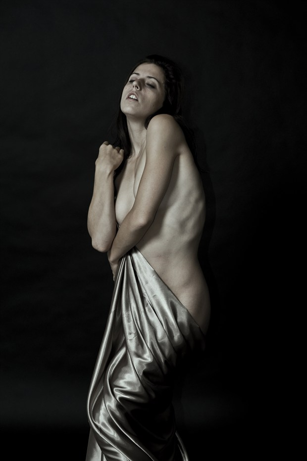Artistic Nude Emotional Photo by Photographer Paul Williamson