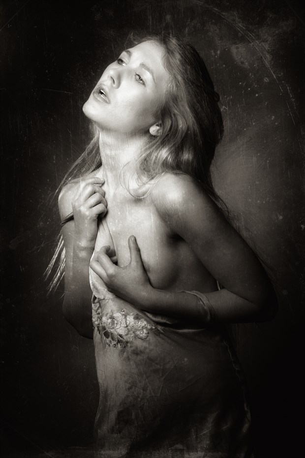 Artistic Nude Emotional Photo by Photographer Terry Slater