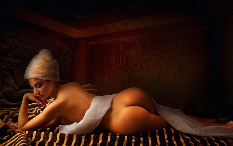 Artistic Nude Erotic Artwork by Model Anomalia