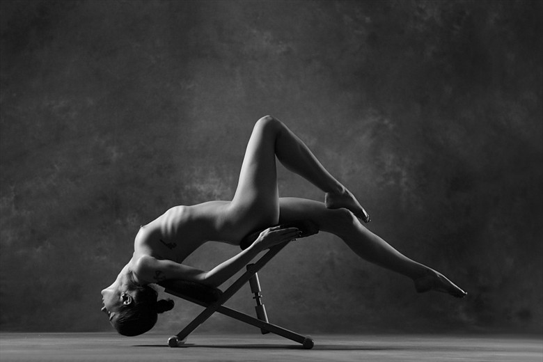 Artistic Nude Erotic Photo by Model DancingWithTheLight